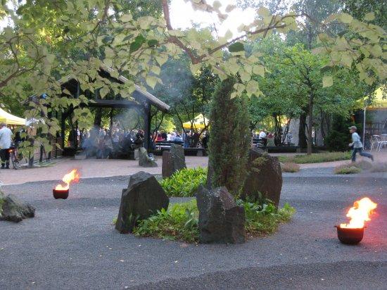 kylajuhlat1_japanilainen_puisto_kuva_johanna_aydemir.jpg