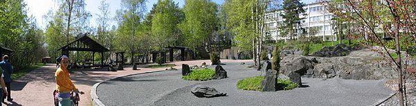 Japanilaistyylinen puutarha 2