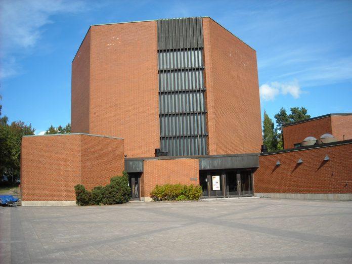 2016 09 kirkko T Linna