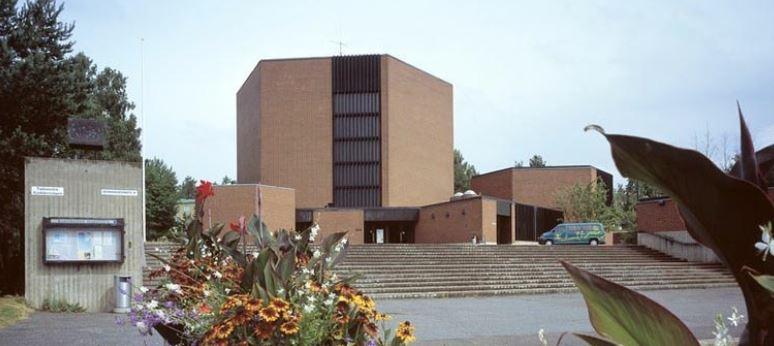 kirkko 1